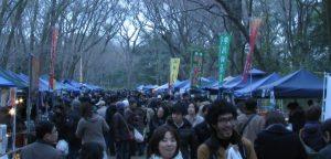 京都の手作り市は観光客から地元の人にも愛されるポピュラーイベントになりました。下鴨神社の糺の森 手作り市