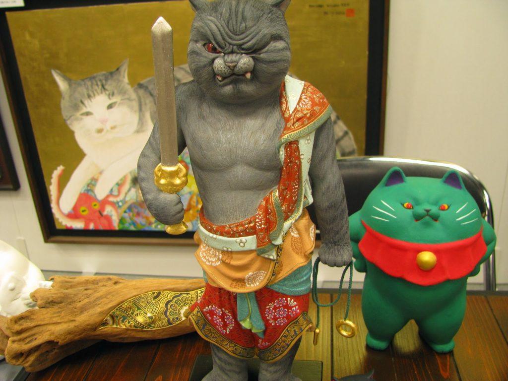 猫の仏像を作る漢山の作品